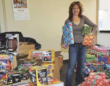 12-27-12DSC_7764-NBHH-Donations